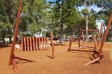 Balancing and climbing playground equipment