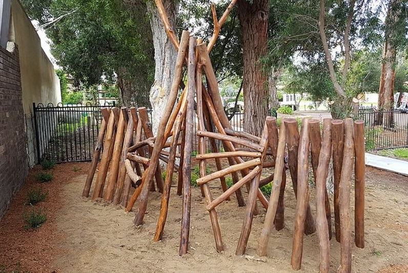 Nature Playgrounds Tunnels and Teepees main